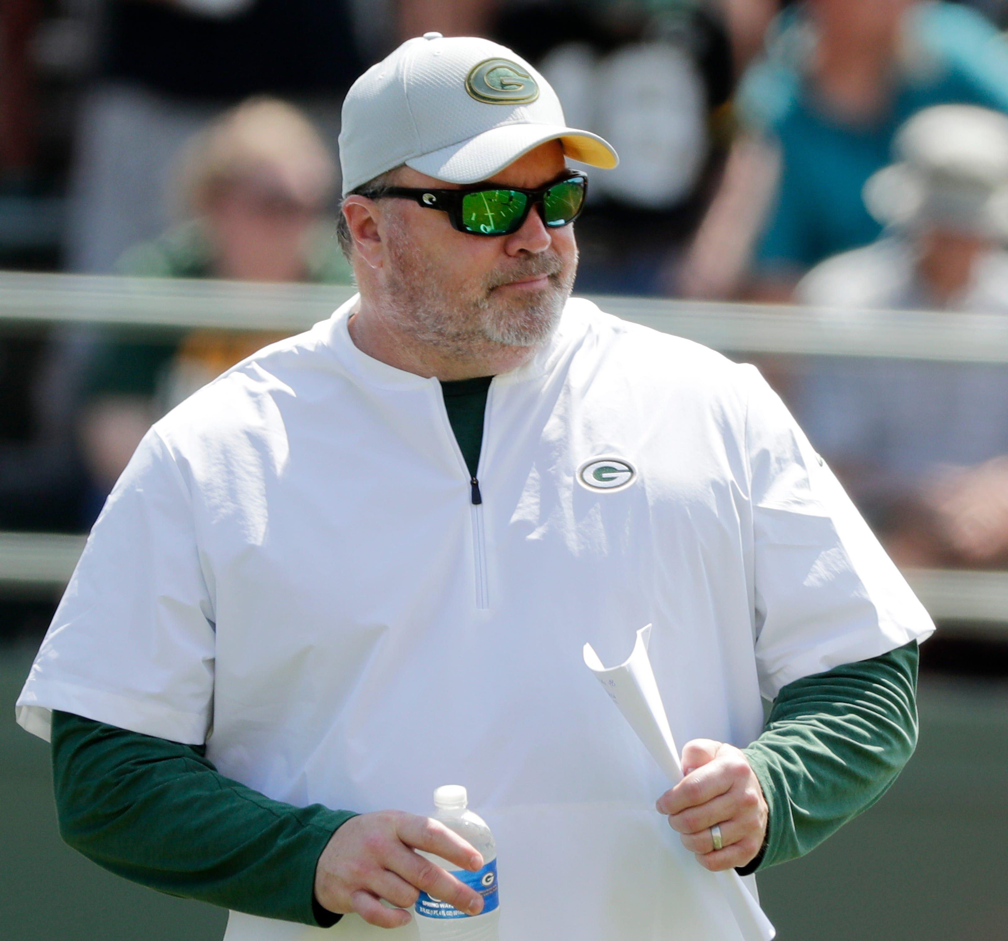 Mike McCarthy denies 'unbelievable' report of missing team meetings for massage