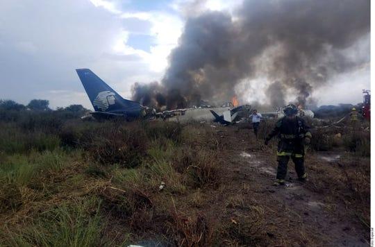 Aeroméxico confirmó que el avión accidentado se trata de un Embraer 190 con capacidad máxima de 100 pasajeros.