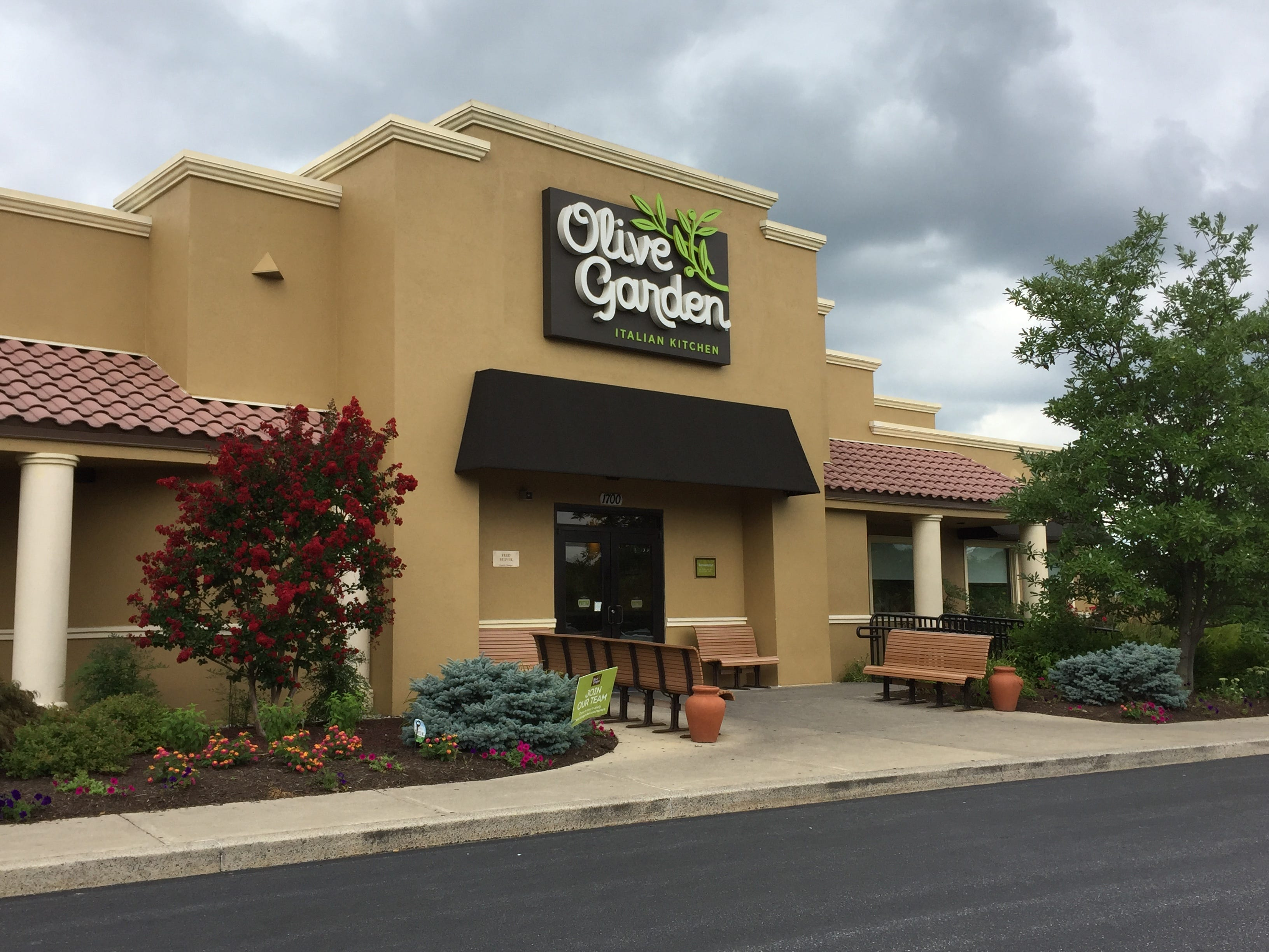 Olive Garden  There are numerous excellent restaurants serving Italian cuisine throughout Lebanon County. Still, some diners prefer the familiarity of an Olive Garden. Even for haters who claim to have more sophisticated palates, you can't really go wrong with never-ending soup or salad and breadsticks front lunch.
