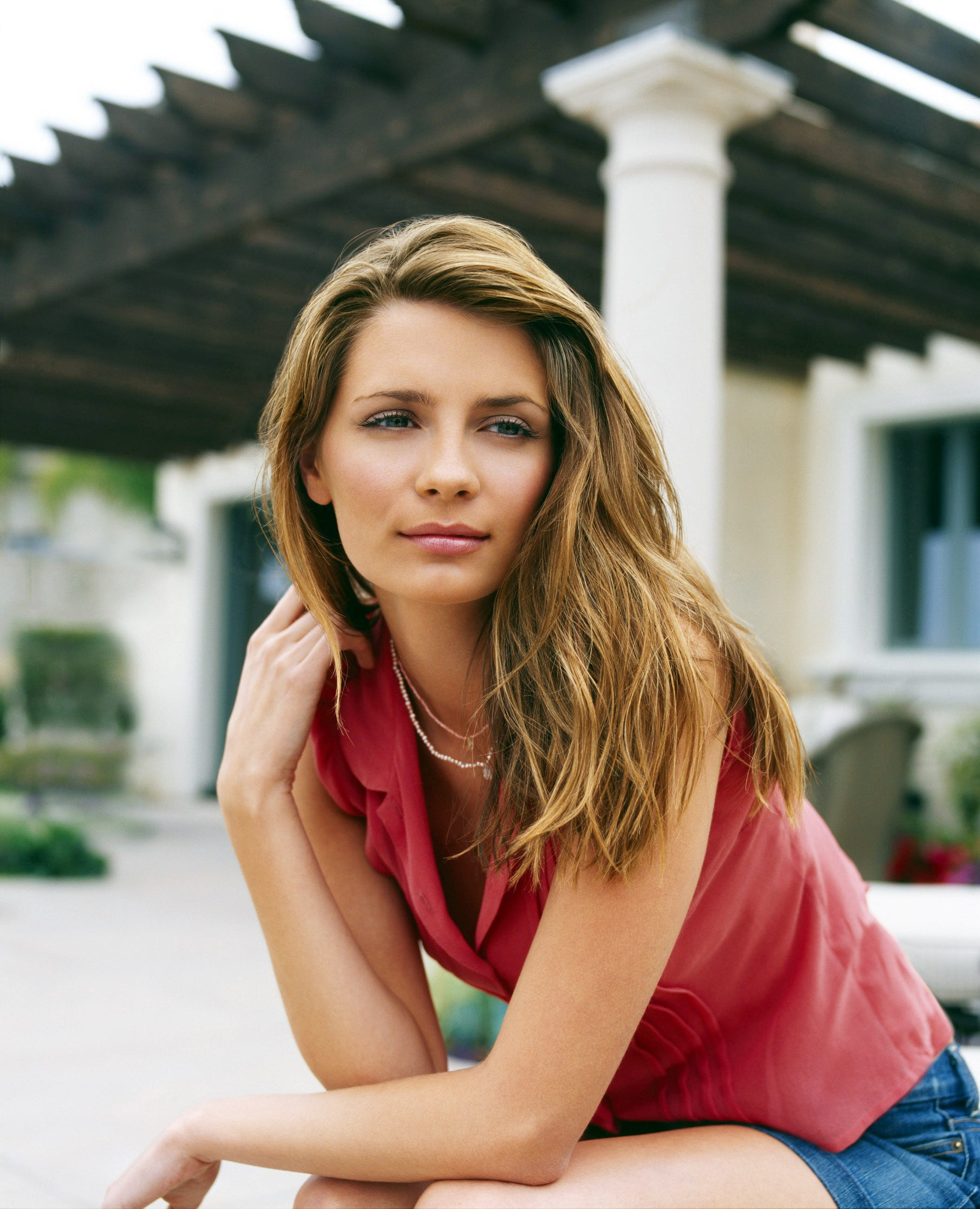 The Return Of Marissa Cooper: Mischa Barton Launches ClothingLine