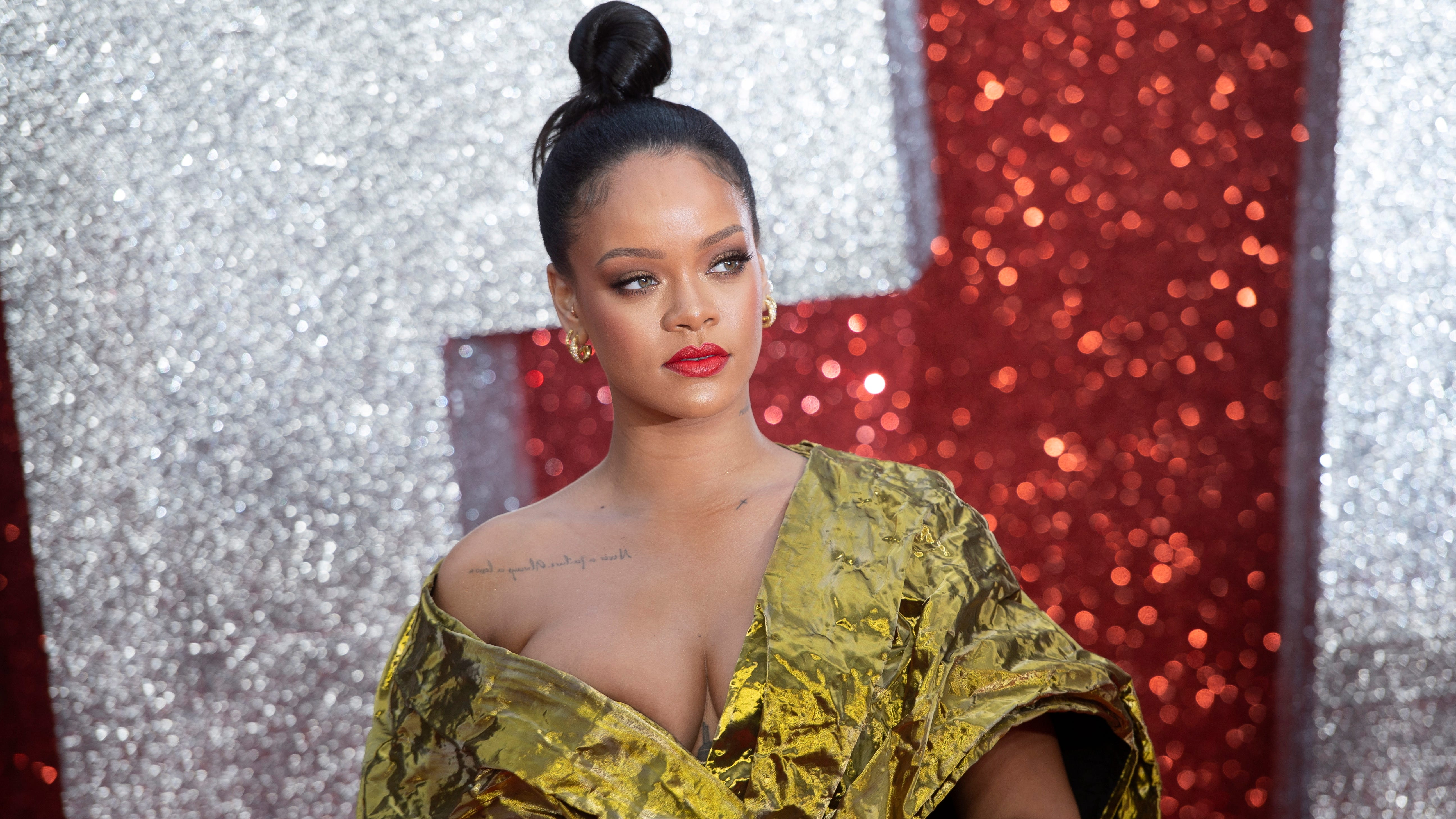 Followers in a frenzy over what appears to be like to be Rihanna recording a novel album thumbnail