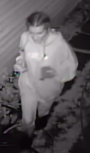 The police are looking for the second suspect of the July 17 robbery.