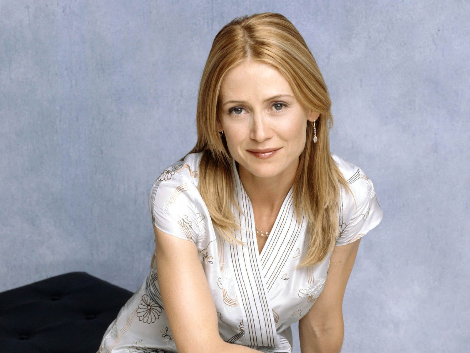 Kelly Rowan was Kirsten Cohen, the wife of Sandy whose father is a local real estate developer.