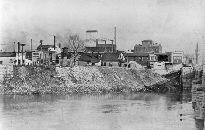 Riverfront of White River at Washington St. in 1939