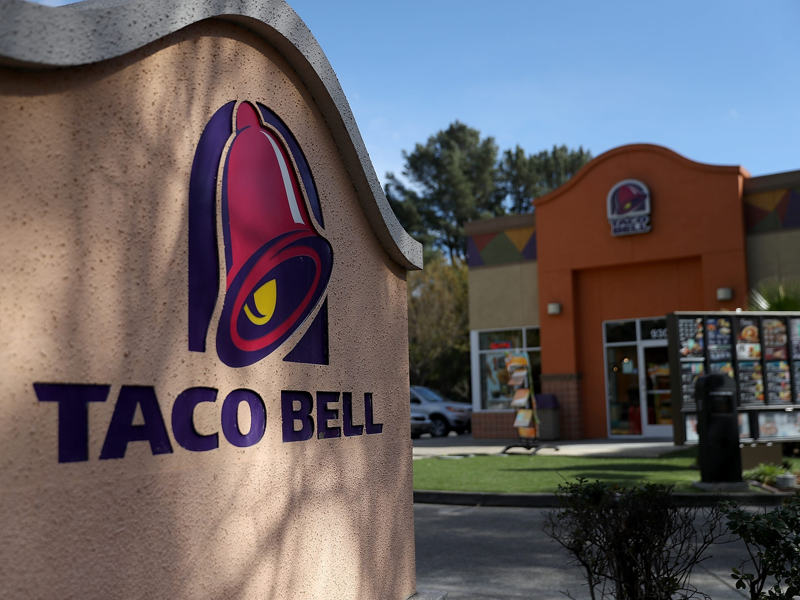 Taco Bell,hiring 220. The restaurant chain is adding positions in the Phoenix area.More info:jobs.tacobell.com.