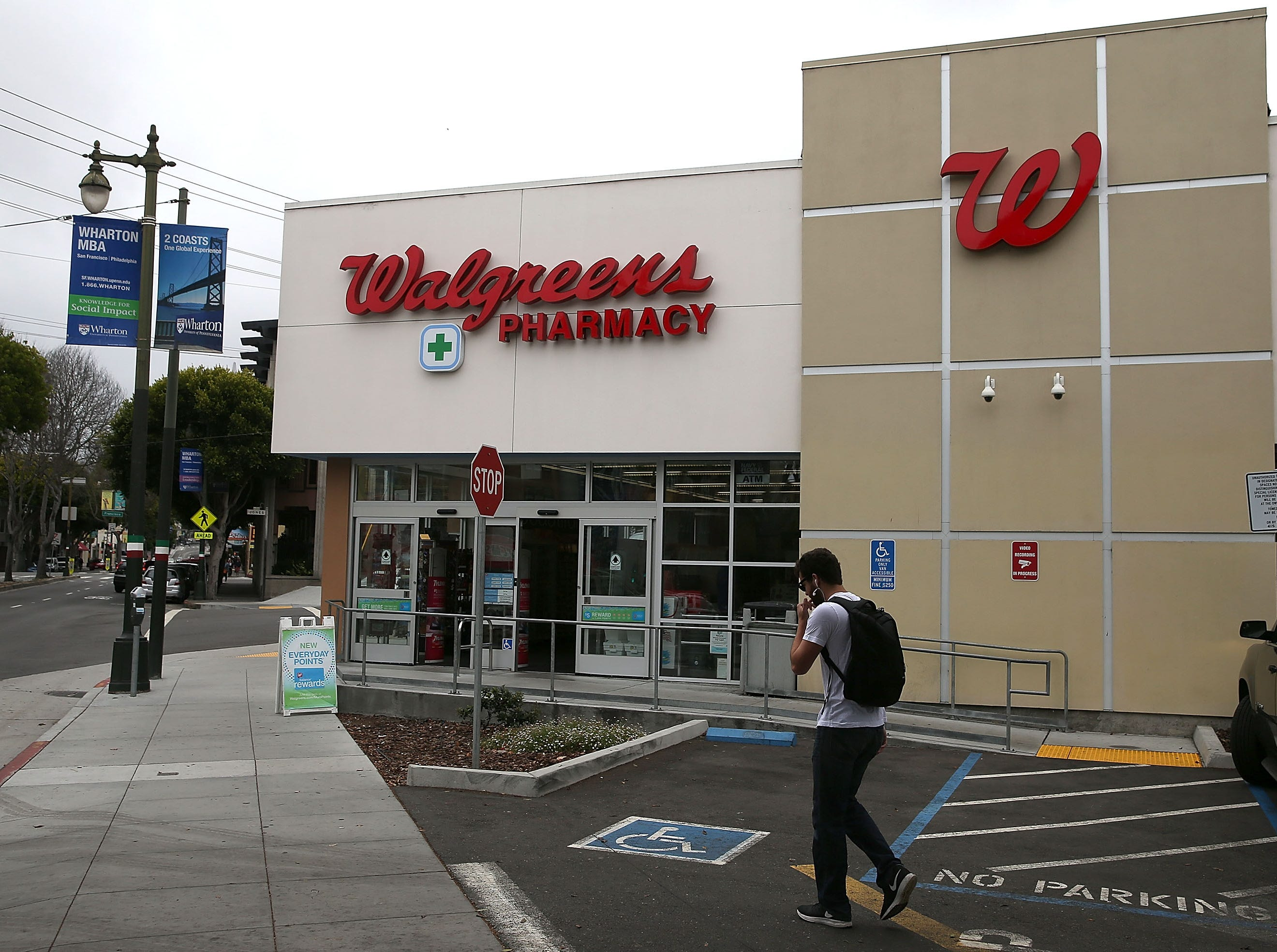 Walgreens,hiring 110. Thecompany thatoperates pharmacies and retail centers has openings ranging from pharmacy technicians to sales associates. More info:walgreens.jobs.