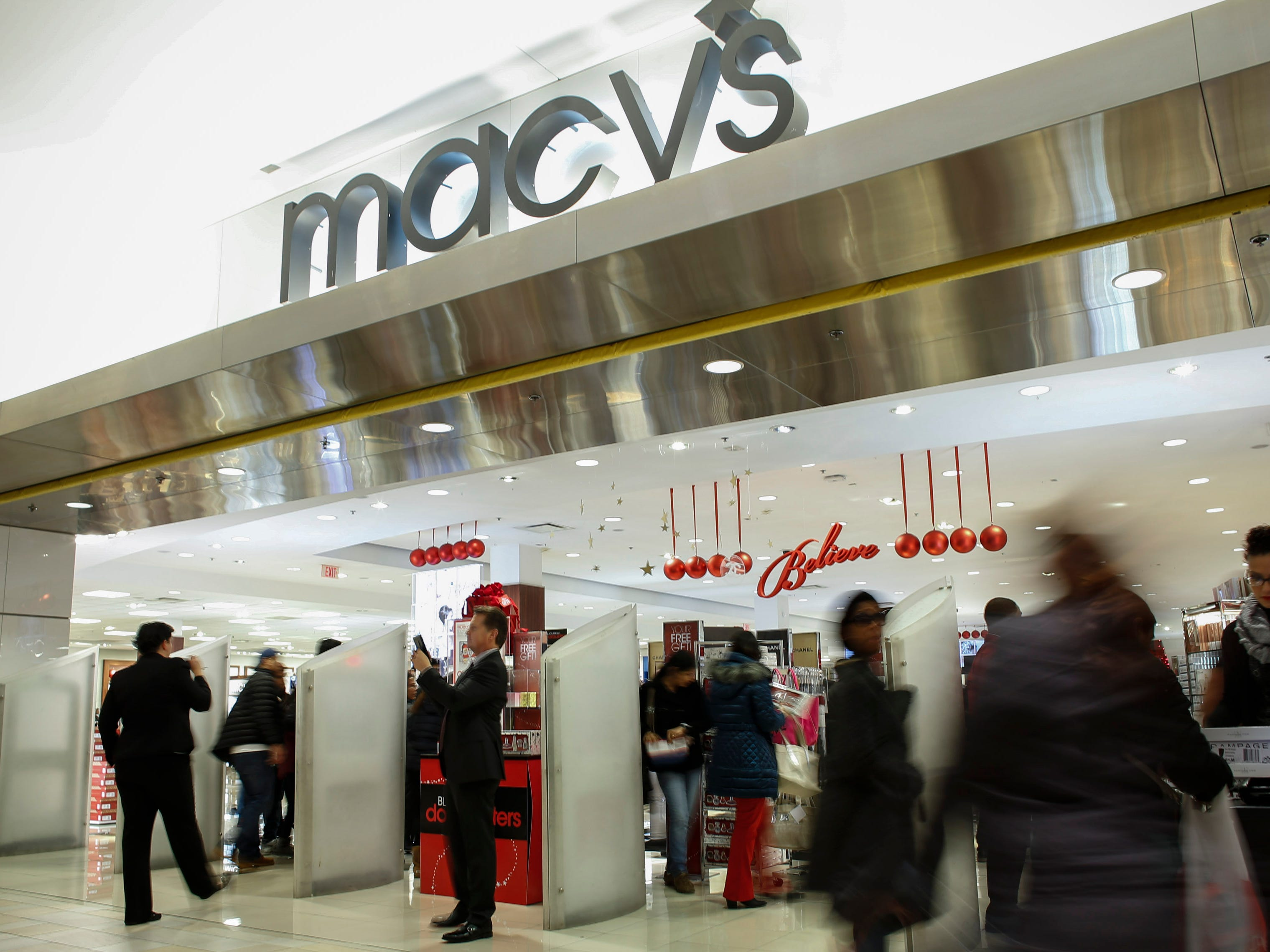 Macy's, hiring 190. The retailer is hiring for positions ranging from cosmetic-sales representatives to retail-support staff. More info: macysjobs.com.