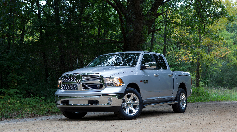 Fiat Chrysler Recalls 1 1m Ram Pickups Tailgates Could Fly Open