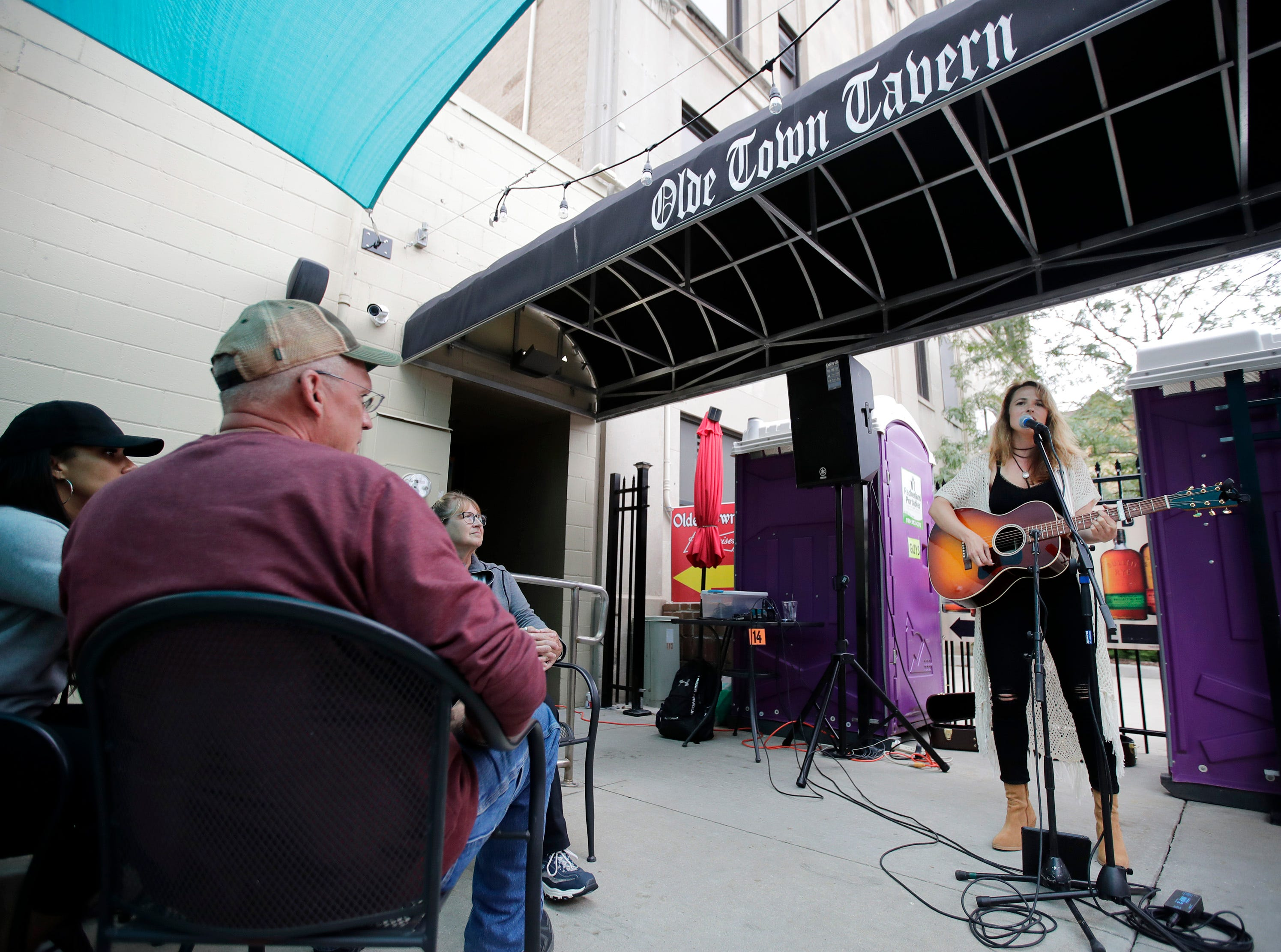 Mira Goto performs on the Bazil's Pub Patio during the first day of Mile of Music Thursday, Aug. 2, 2018, in Appleton, Wis.Danny Damiani/USA TODAY NETWORK-Wisconsin