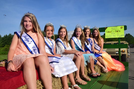 It was a busy day for 2017 Fairest of the Fair court. Not only did they participate in the parade but they were ambassadors for the fair and helped the little ones maneuver the stage during the Fairest of the Fair Competition held at Karns High School Saturday, July 28. Pictured from left is Hannah Cordell, 12, Judges Choice; Olivia Elliott, 9, Little Miss; Madison Cordell, 11, Young Miss; Lexi Hensley, 12, People's Choice; Katelyn Fedrick, 15, Junior Miss; Katelyn Rogers, 19, Miss Fairest of the Fair.