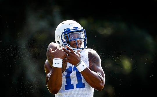 The University of Memphis running back Sam Craft makes a catch during the first day of practice for the 2018-19 season.
