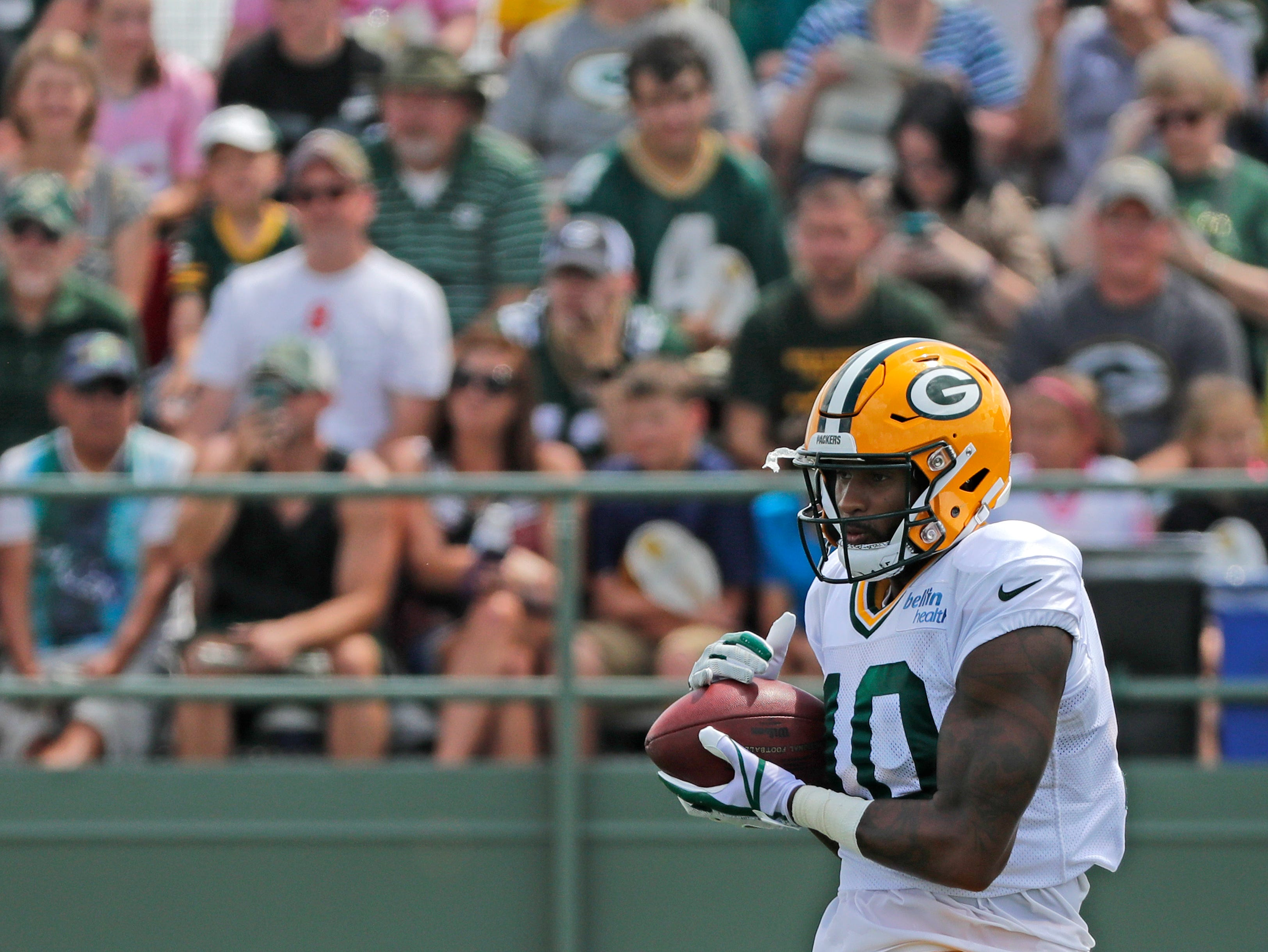 Green Bay Packers wide receiver DeAngelo Yancey (10) catches a ball during training camp practice at Ray Nitschke Field on Friday, August 3, 2018 in Ashwaubenon, Wis. 
