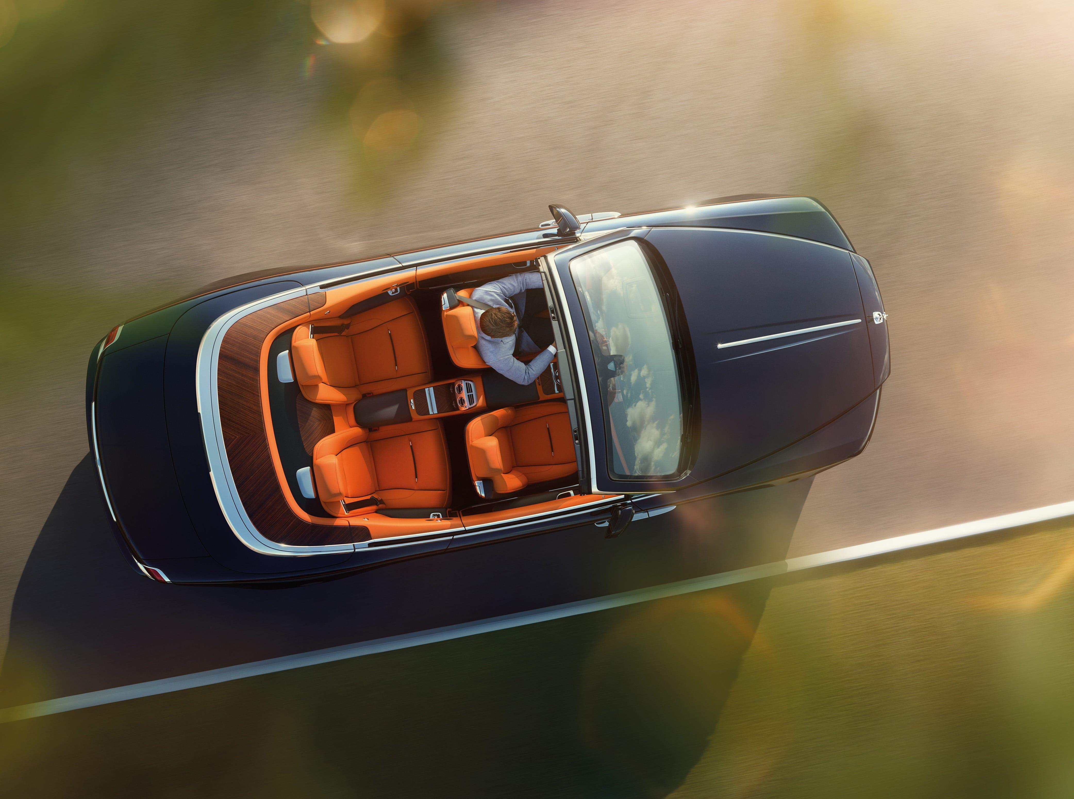 A Rolls Royce Dawn.