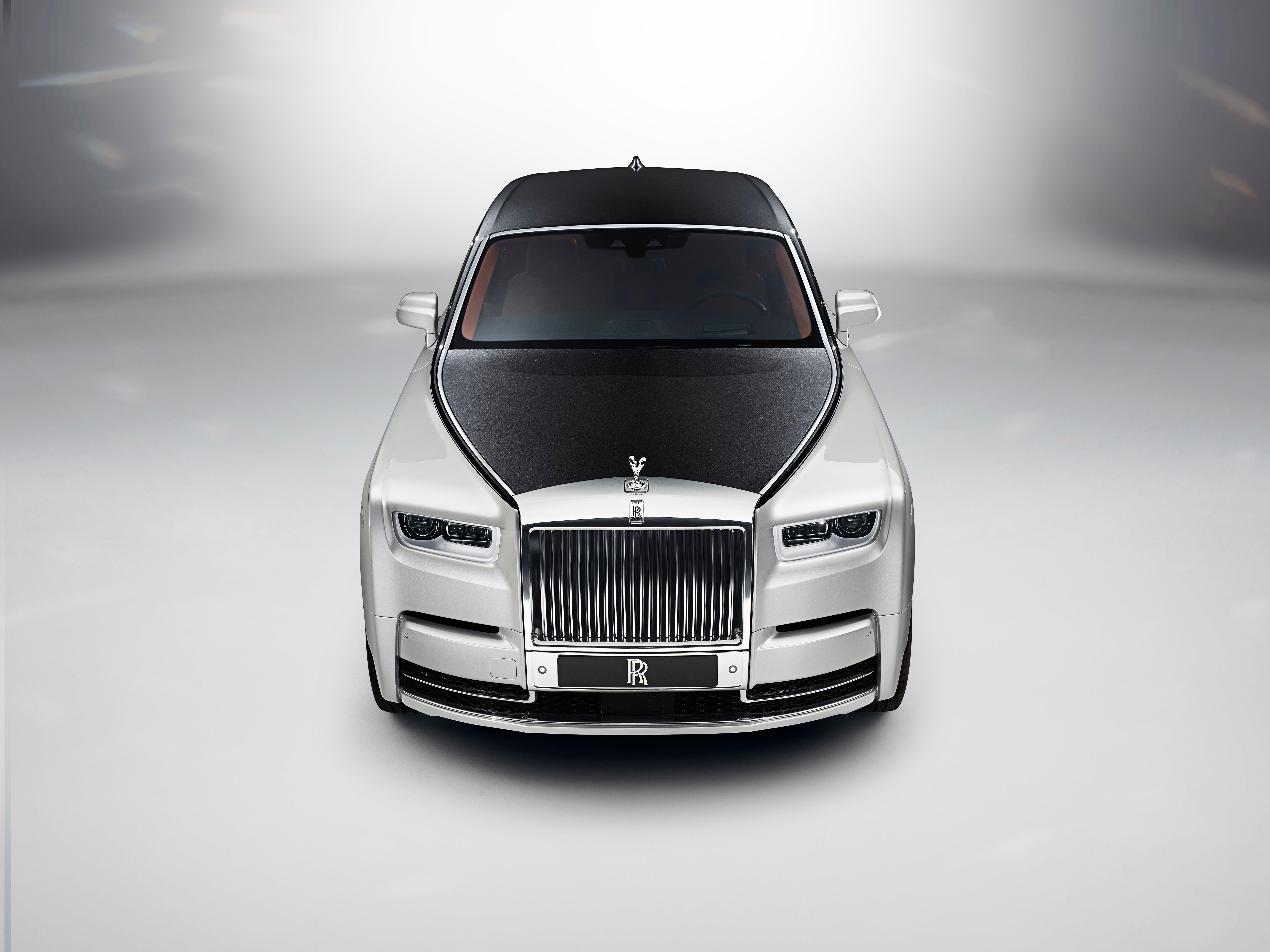 A Rolls-Royce Phantom.