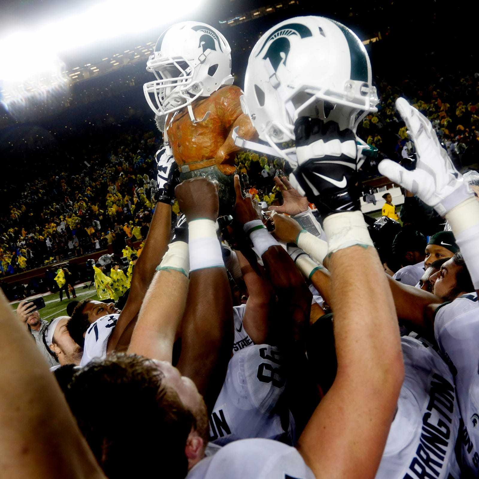 Here's why Michigan State's alternate uniform gloves included Seahawks logo
