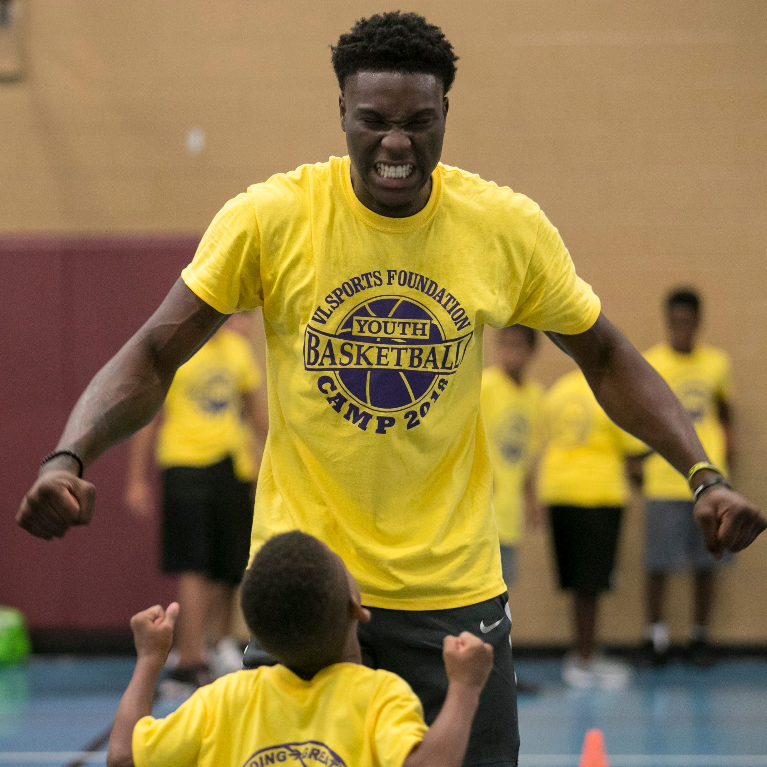 Emmitt Williams, Destanni Henderson bring array of smiles at Fort Myers youth basketball camp