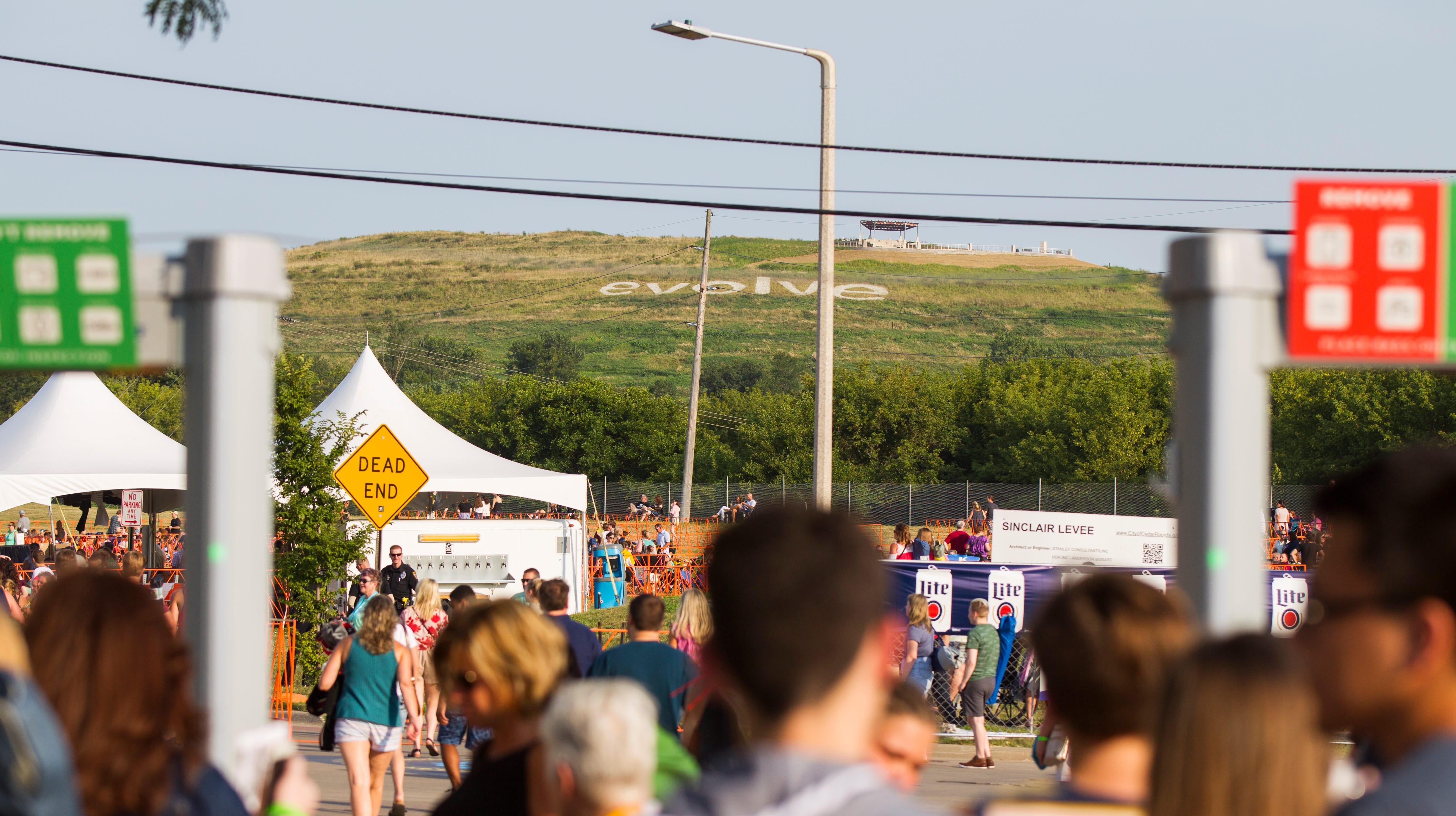 Organization responsible for Iowa festival that lost $2.3 million folds