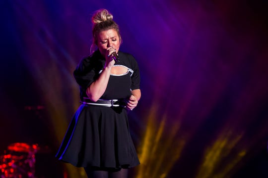 """Kelly Clarkson performs during """"Newbo Evolve"""" on Friday, Aug. 3, 2018, in Cedar Rapids, Iowa."""