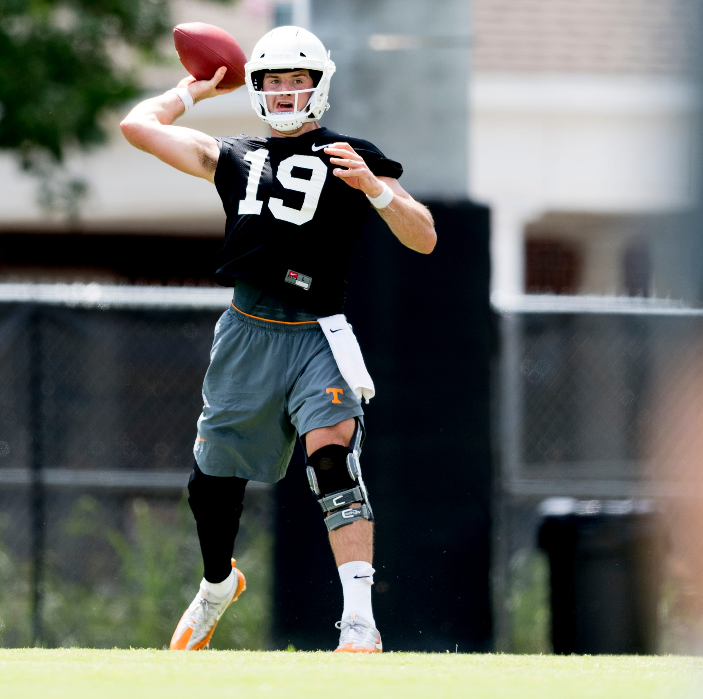 Vols quarterback Keller Chryst 'too talented' to be backup, Stanford coach David Shaw says