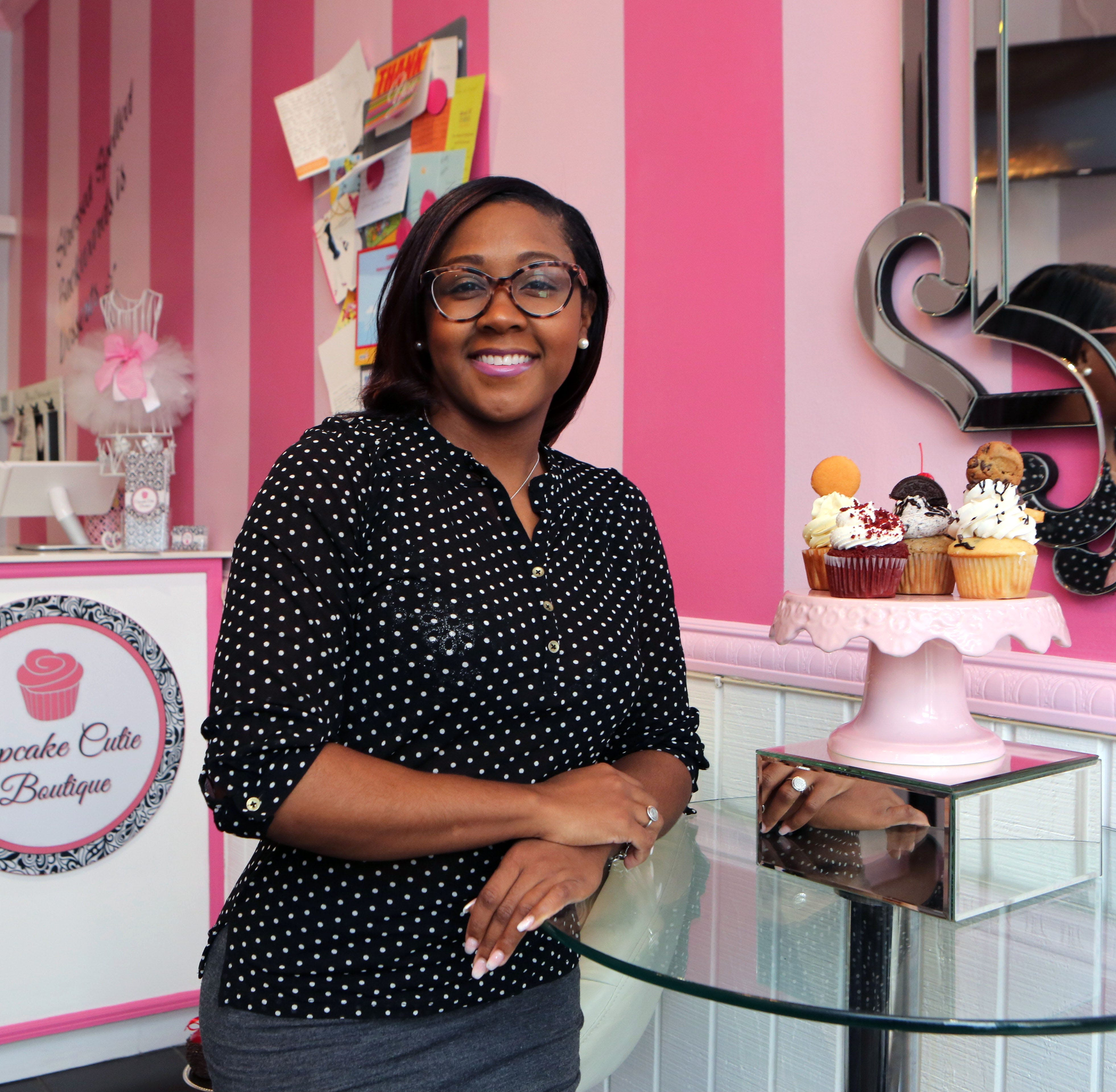 Cupcake shop owned by mayor critic's daughter allowed to reopen