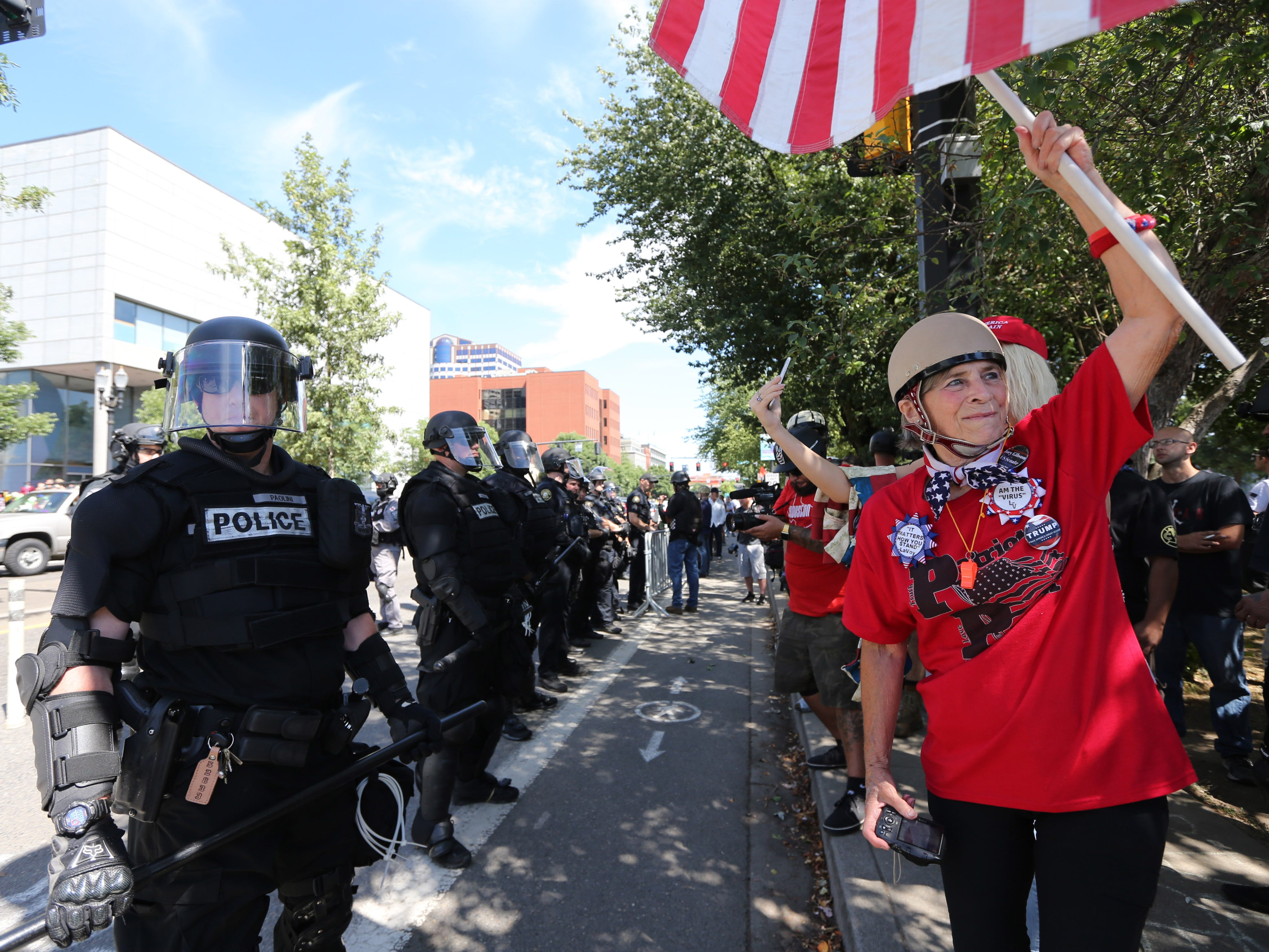 Far-Right protesters rally for gun rights' laws and free speech on August 4, 2018 in Portland, Oregon.