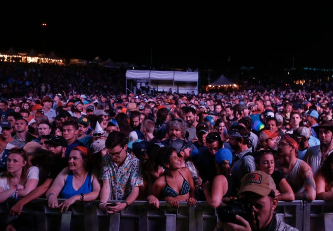 Fans crowd together prior to the start of Sturgill Simpson's concert on Saturday, Aug. 4, 2018, during the Hinterland music festival in St. Charles.