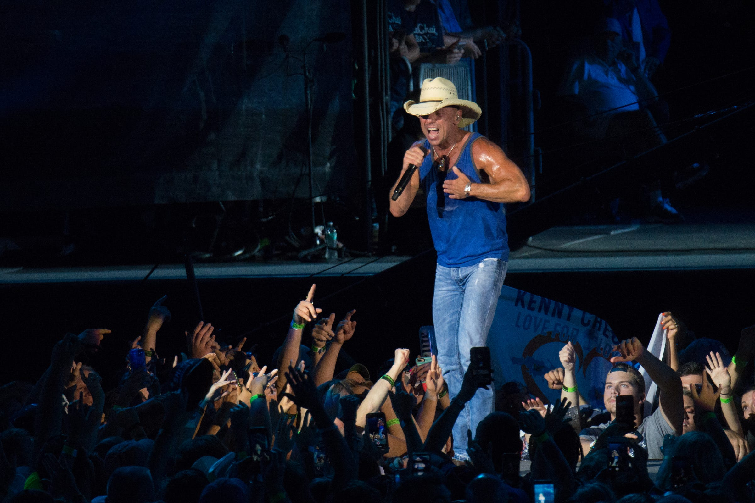 Kenny Chesney postpones summer tour, including Ford Field date; aims to reboot in 2021