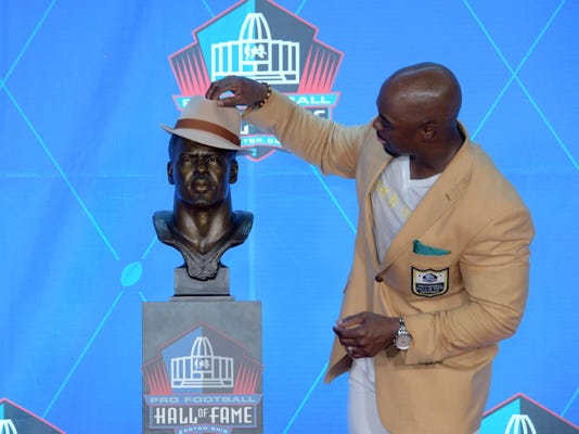 Nfl Pro Football Hall Of Fame Enshrinement Ceremony