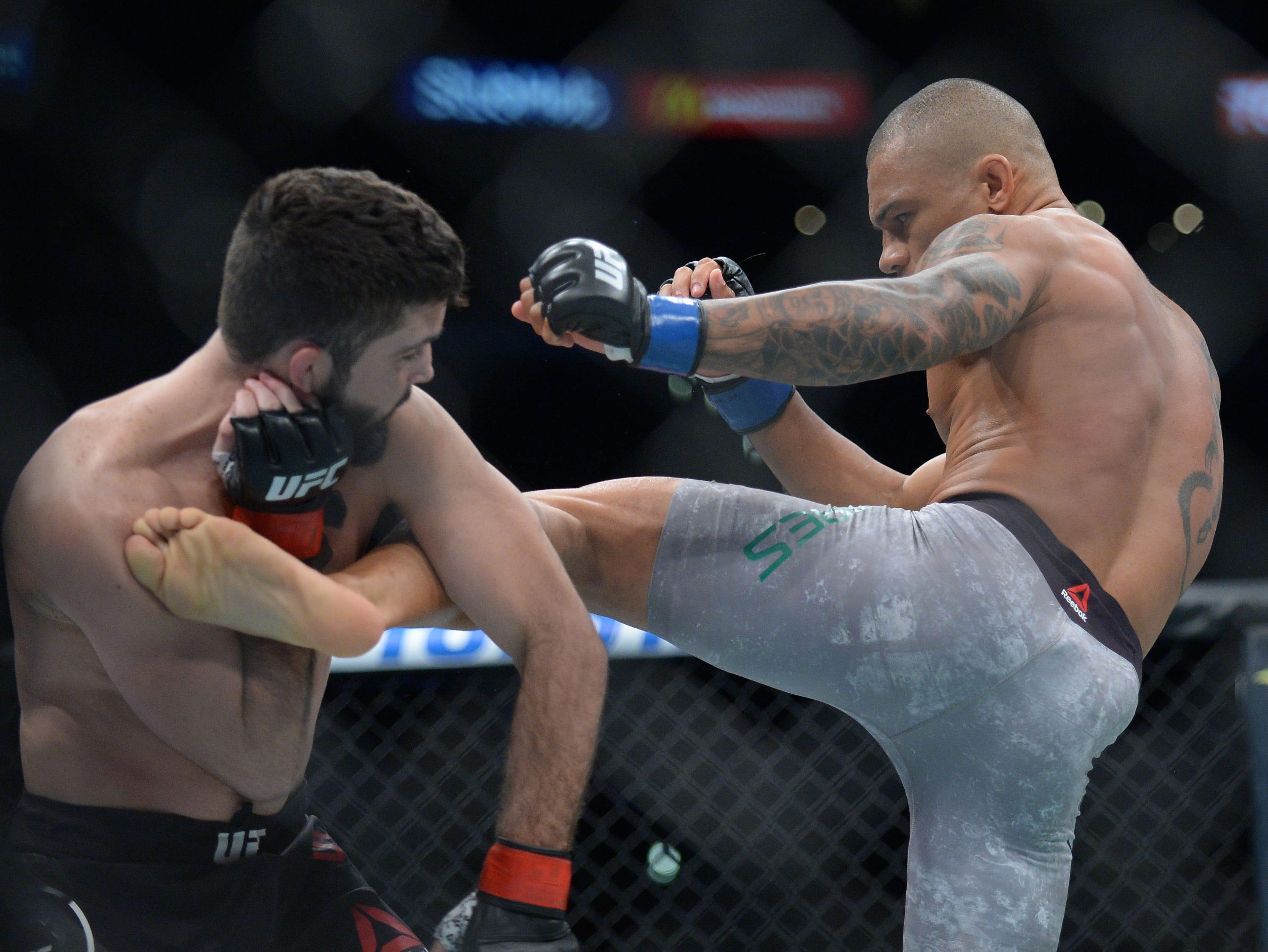 Sheymon Moreas lands a kick against Matt Sayles during UFC 227 at Staples Center.