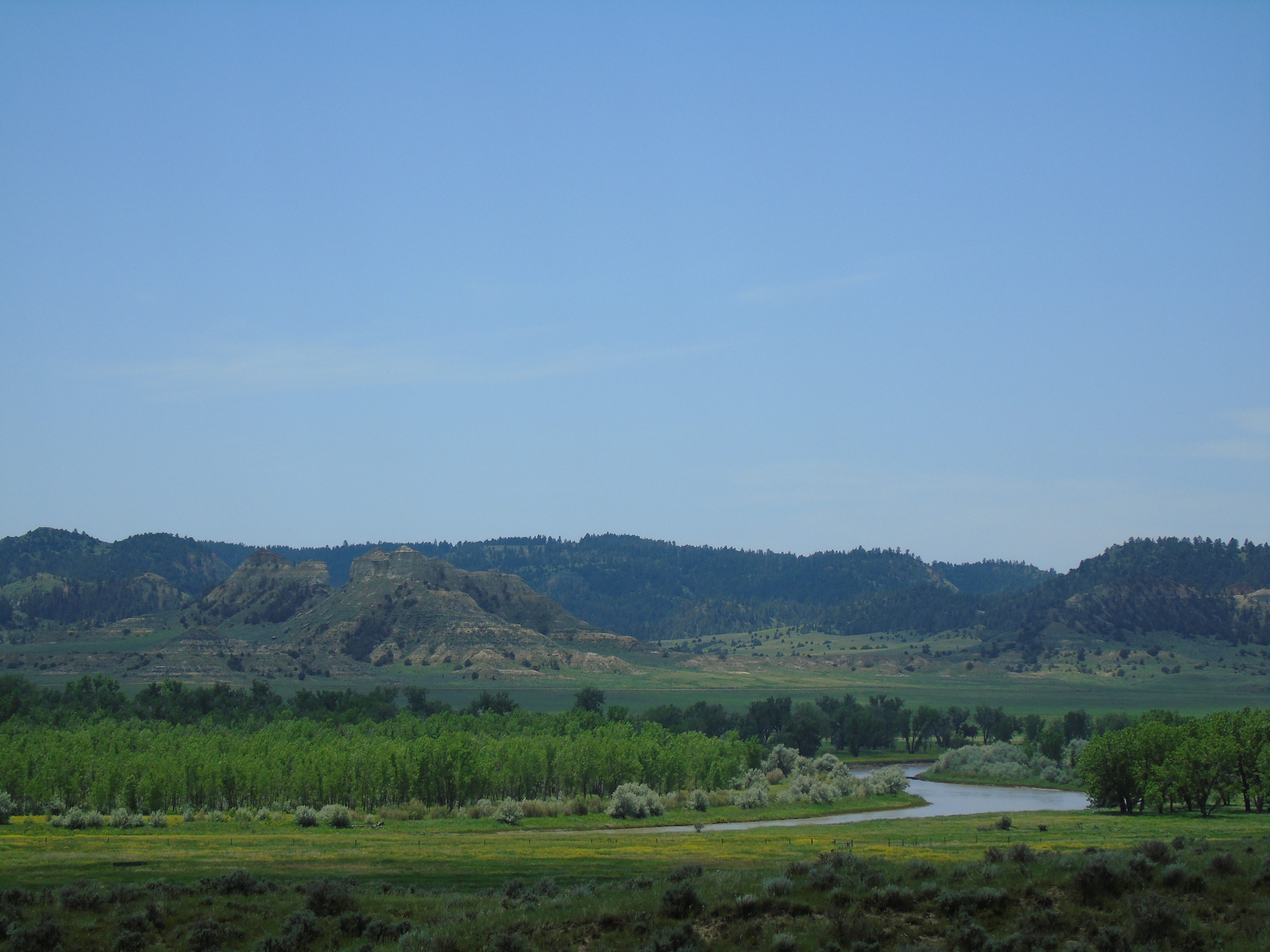 The Powder River winds through a valley southwest of Broadus. On March 17, 1876, the US Cavalry led by Col. Joseph J. Reynolds was defeated by an outnumbered band of Cheyenne and Sioux.