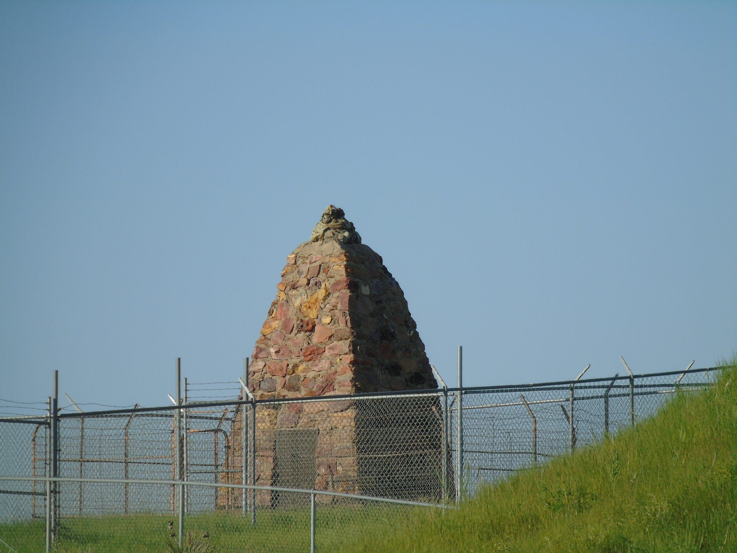 Busby is home to the Two Moons Memorial, which honors Cheyenne Chief Two Moons, who fought in at Reynolds, Rosebud, Little Big Horn and Wolf Mountain.