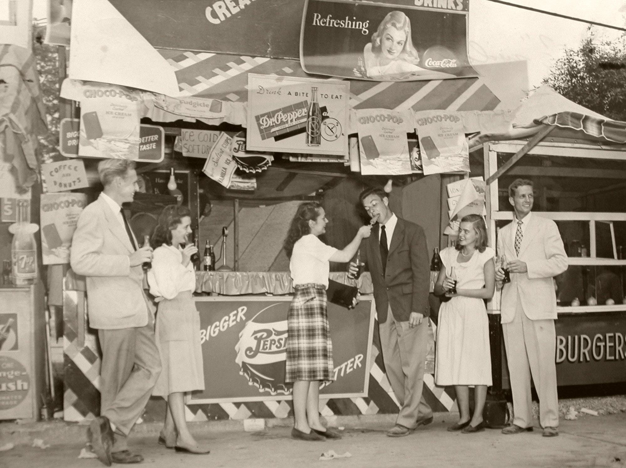 At the Kentucky State Fair in 1947, a hot day called for soft drinks and refreshing ice-cream treats. From left were Gordon, Janey, Elaine, Pete, Sara and Pat.