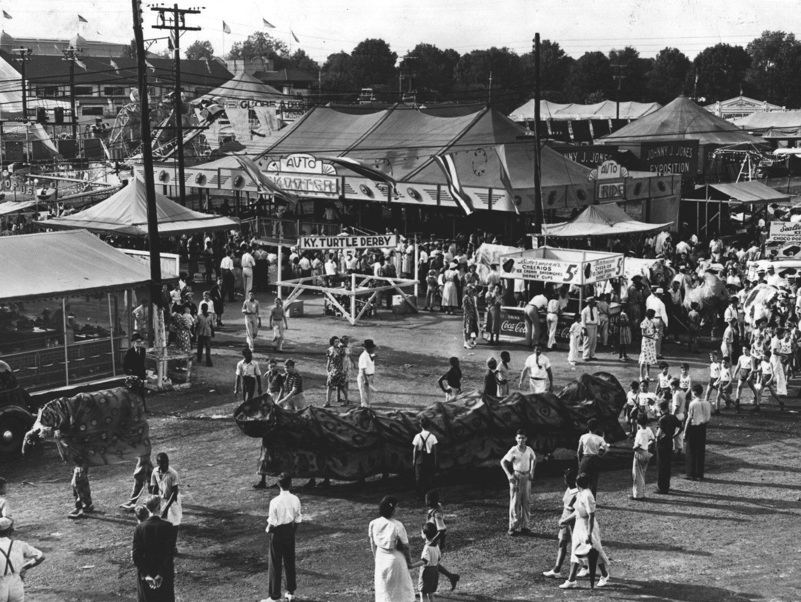 From cows to bees, creatures of all kinds abound at the Kentucky State Fair. In 1938, crowds gathered beneath a sign on the midway that proclaimed the Kentucky Turtle Derby.