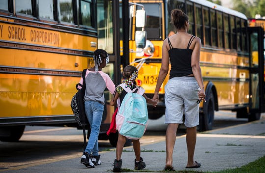 Students head to class at South View Elementary last school year.