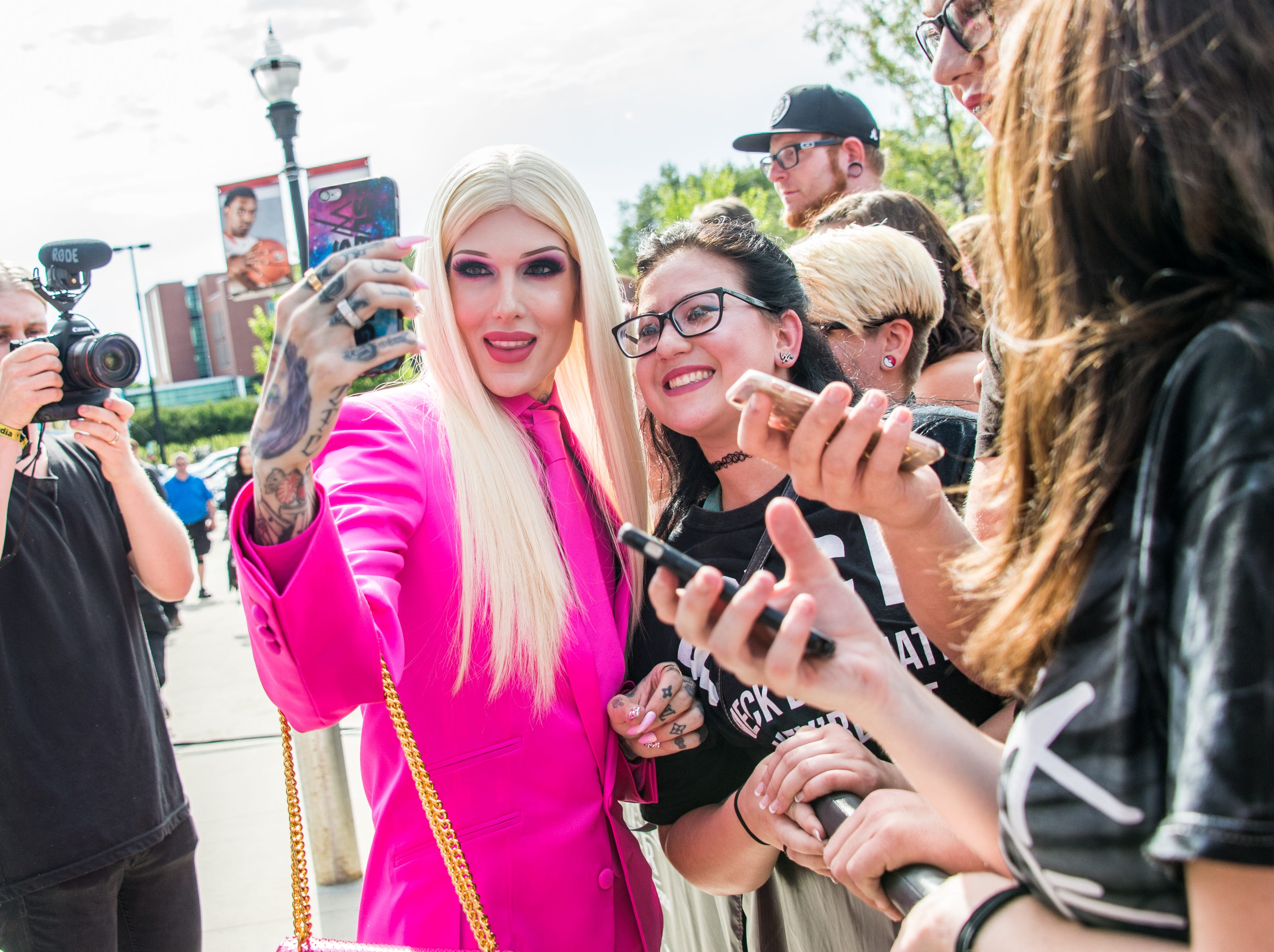 Jeffree Star arrives at the 2016 Journeys AP Music Awards at Value City Arena at the Jerome Schottenstein Center on Monday, July 18, 2016, in Columbus, Ohio. (Photo by Amy Harris/Invision/AP)