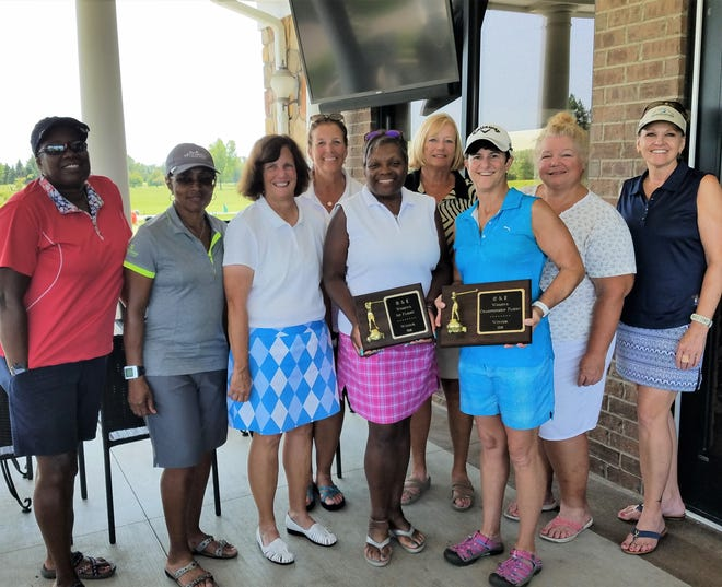 Among the award winners for the O&E Women's Golf Tourney Saturday at Whispering Willows included (front row, from left) Yvette Johnson, Cynthia Pinkard, Cindy Hill, Shelly Weiss; (back row, from left) Kelly Scheff, Joan Cleland, Denise Buechel and Sherilyn Smith.