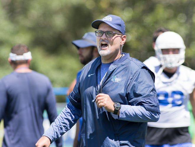 After his UWF football team played its last eight games against ranked opponents, Argos head coach Pete Shinnick anxious to see how they handled being a heavy favorite to win Saturday against Shorter.