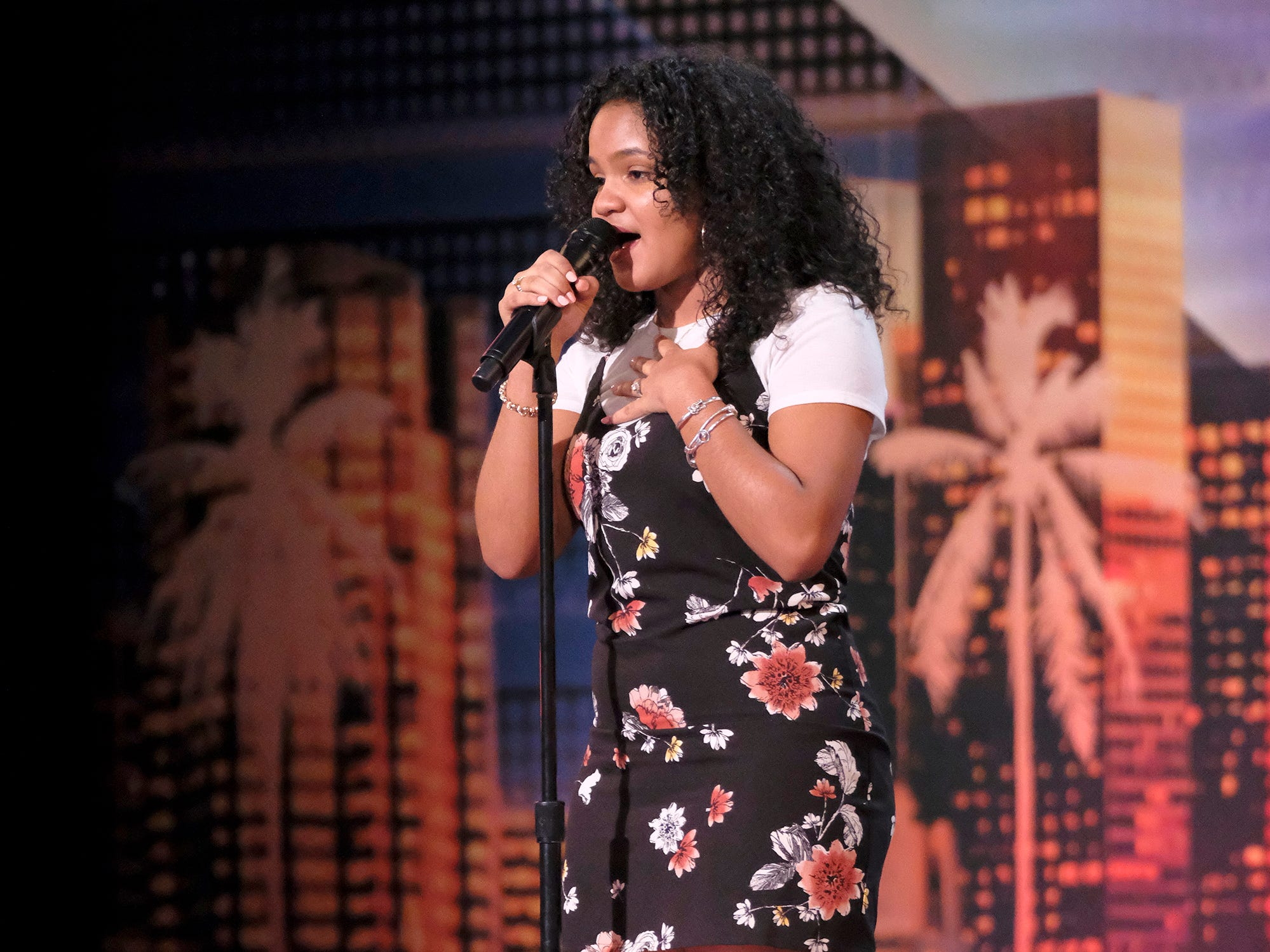 Singer Amanda Mena earned Mel B's Golden Buzzer