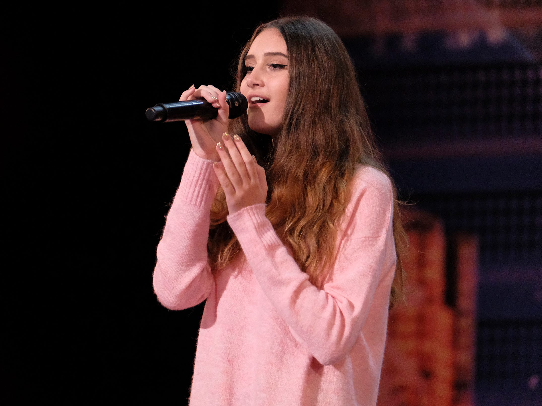 Singer Makayla Phillips earned Heidi Klum's Golden Buzzer