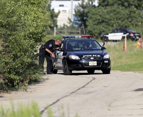Apc Police Search Rr Tracks 3049 080618 Wag
