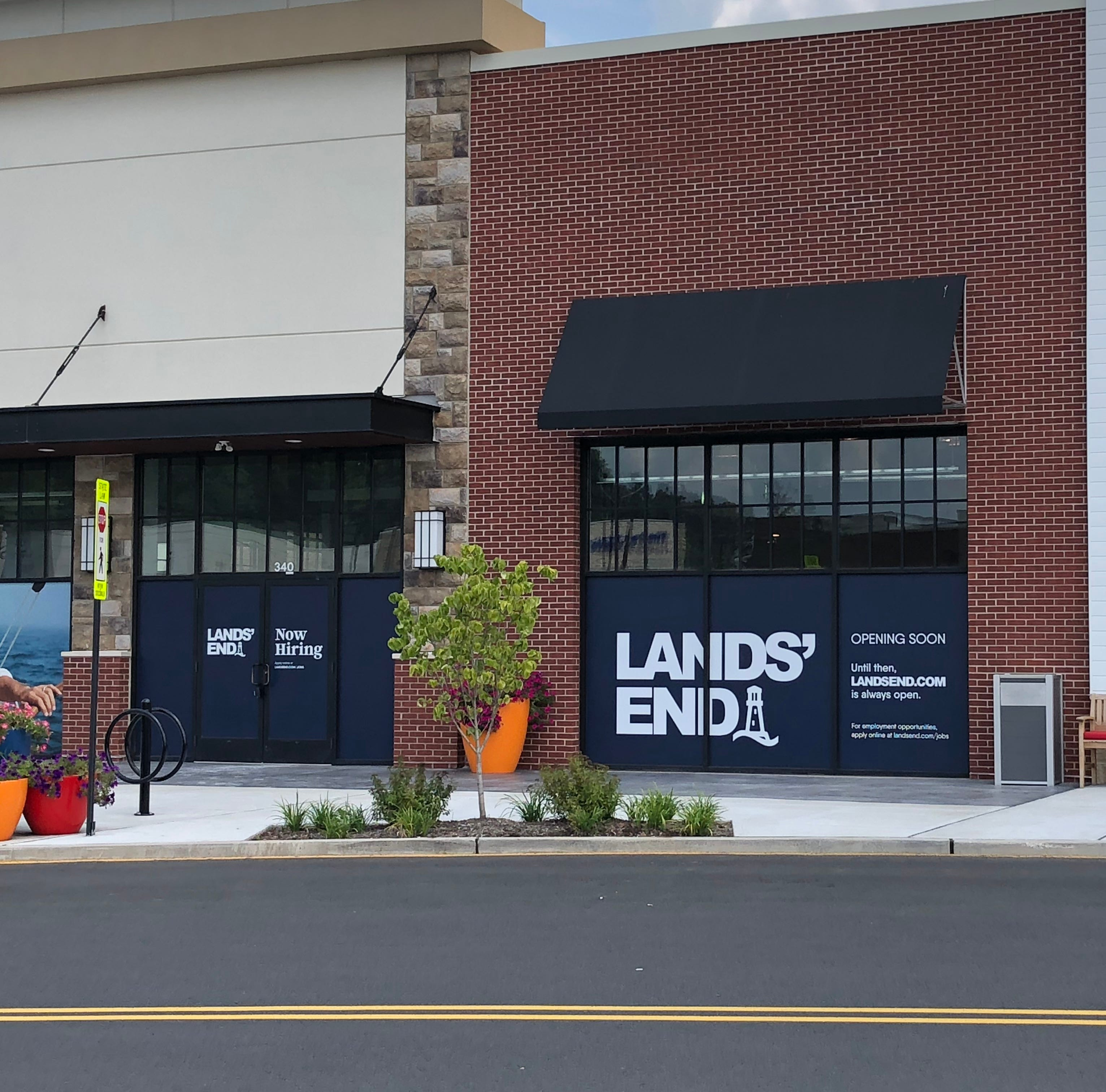Lands' End, Frutta Bowls coming to Chimney Rock Crossing in Bridgewater
