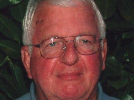 Larry Fruhling, retired Des Moines Register storyteller, dies of Lou Gehrig's disease