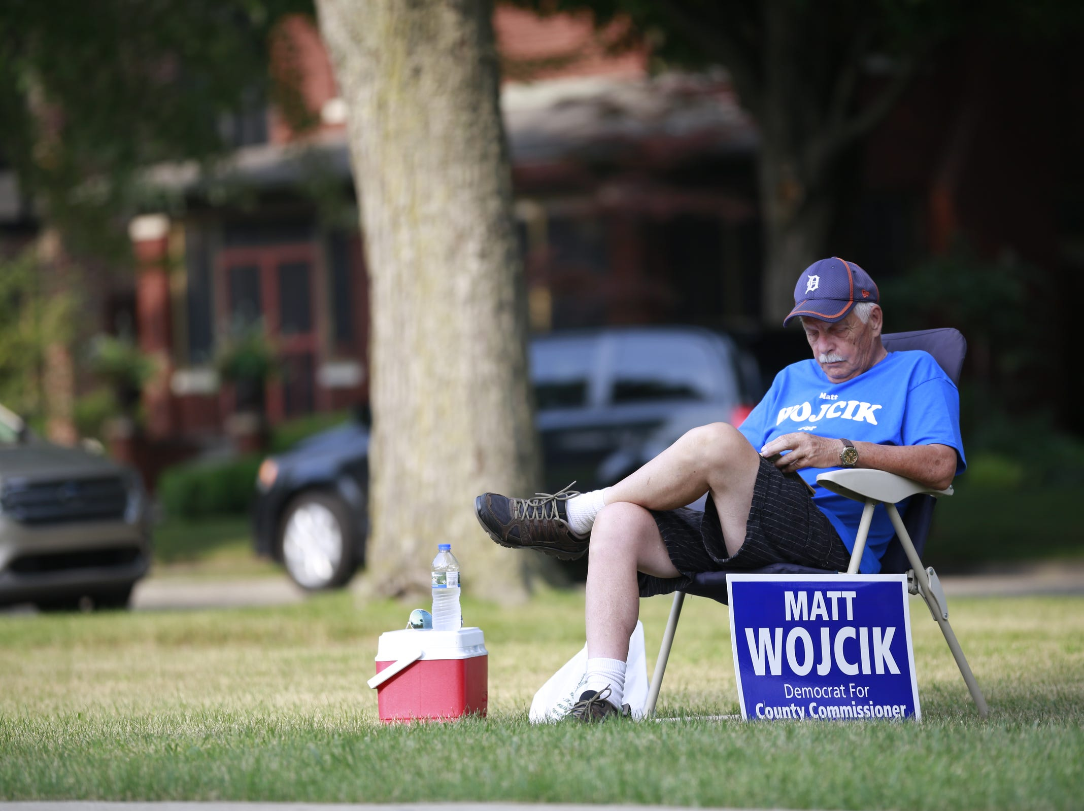 Voters turn out to the Wilson Gymnasium polling location in Mt. Clemens, Mich., Tuesday, August 7, 2018.
