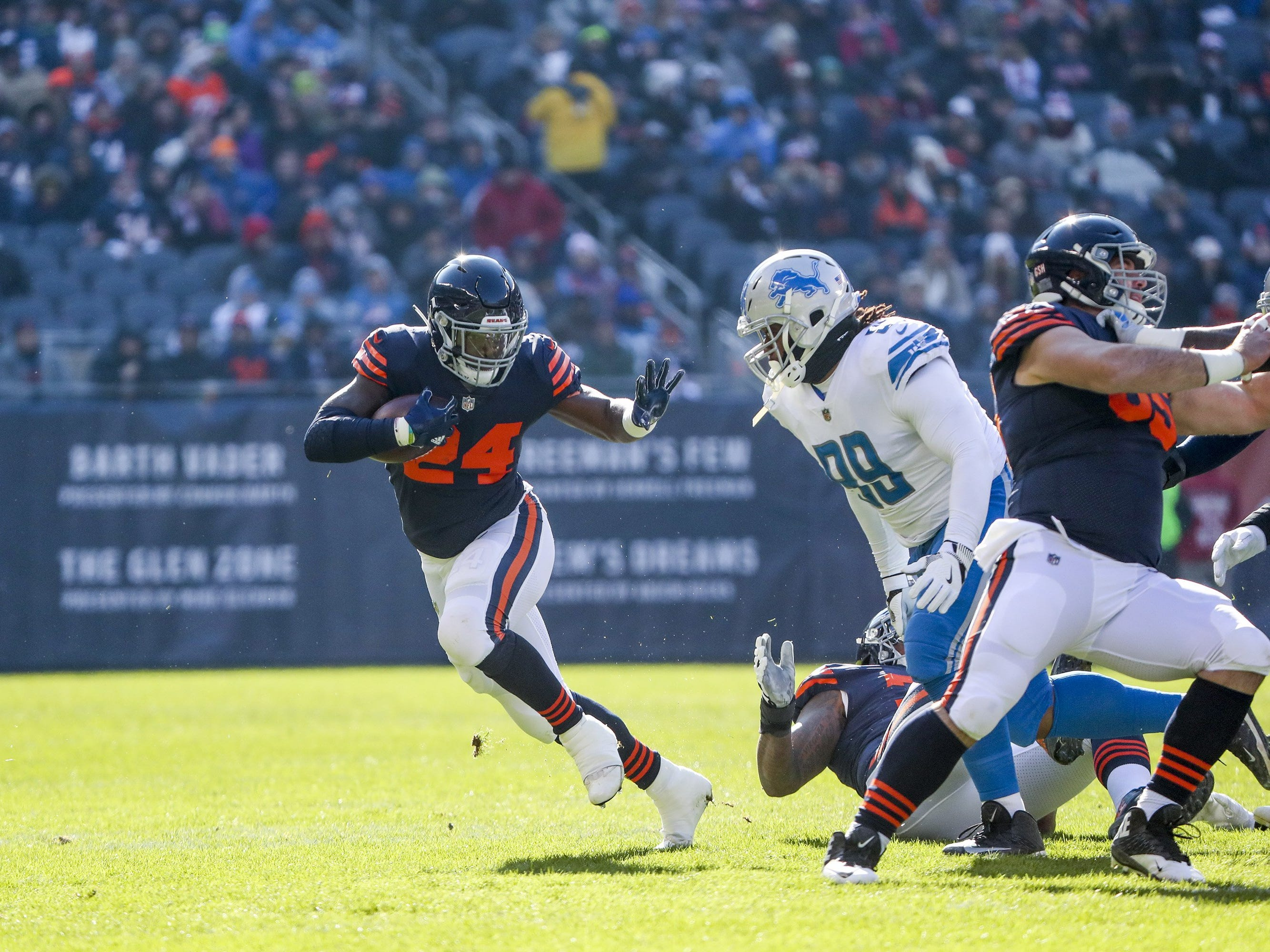 Chicago Bears running back Jordan Howard runs the ball during the first half against the Detroit Lions on Nov. 19, 2017 at Soldier Field in Chicago.