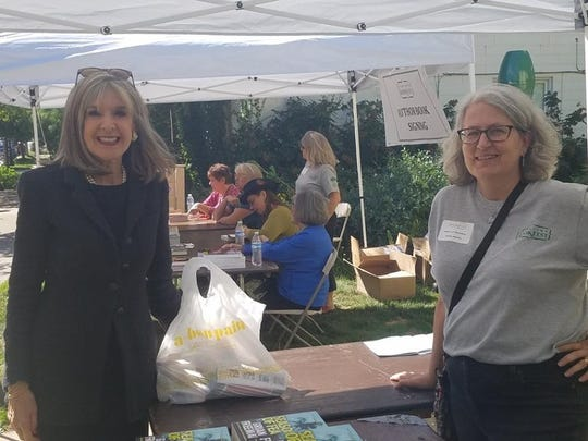 New York Times best-selling novelist Hank Phillippi  Ryan and Robin Agnew in 2016.
