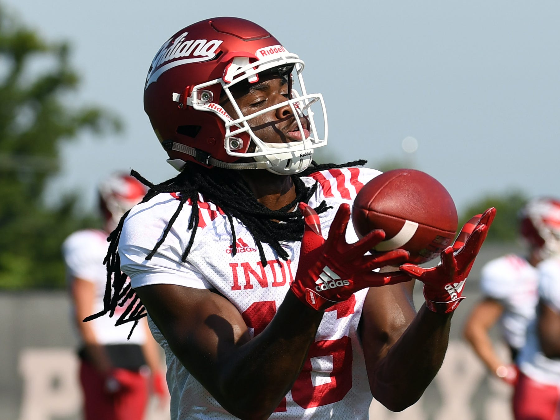 Indiana Hoosiers wide receiver David Felton (16) catches a pass during practice at Mellencamp Pavilion in Bloomington, Ind., on Monday, August 6, 2018.