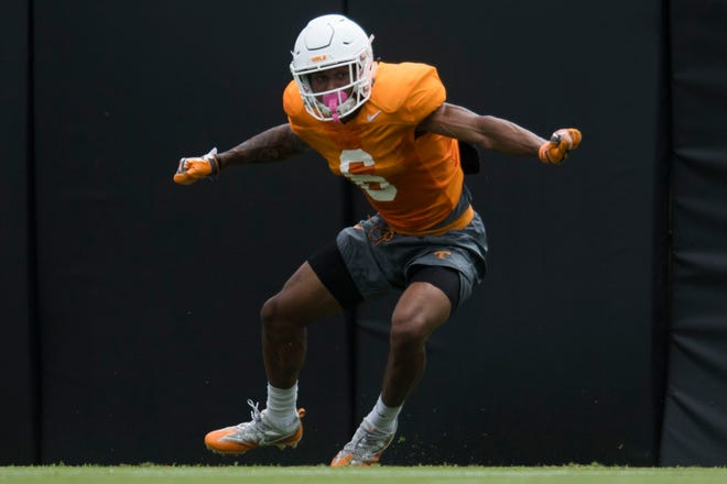 Tennessee defensive back/wide receiver Alontae Taylor participates in a drill during preseason practice Tuesday, Aug. 7.