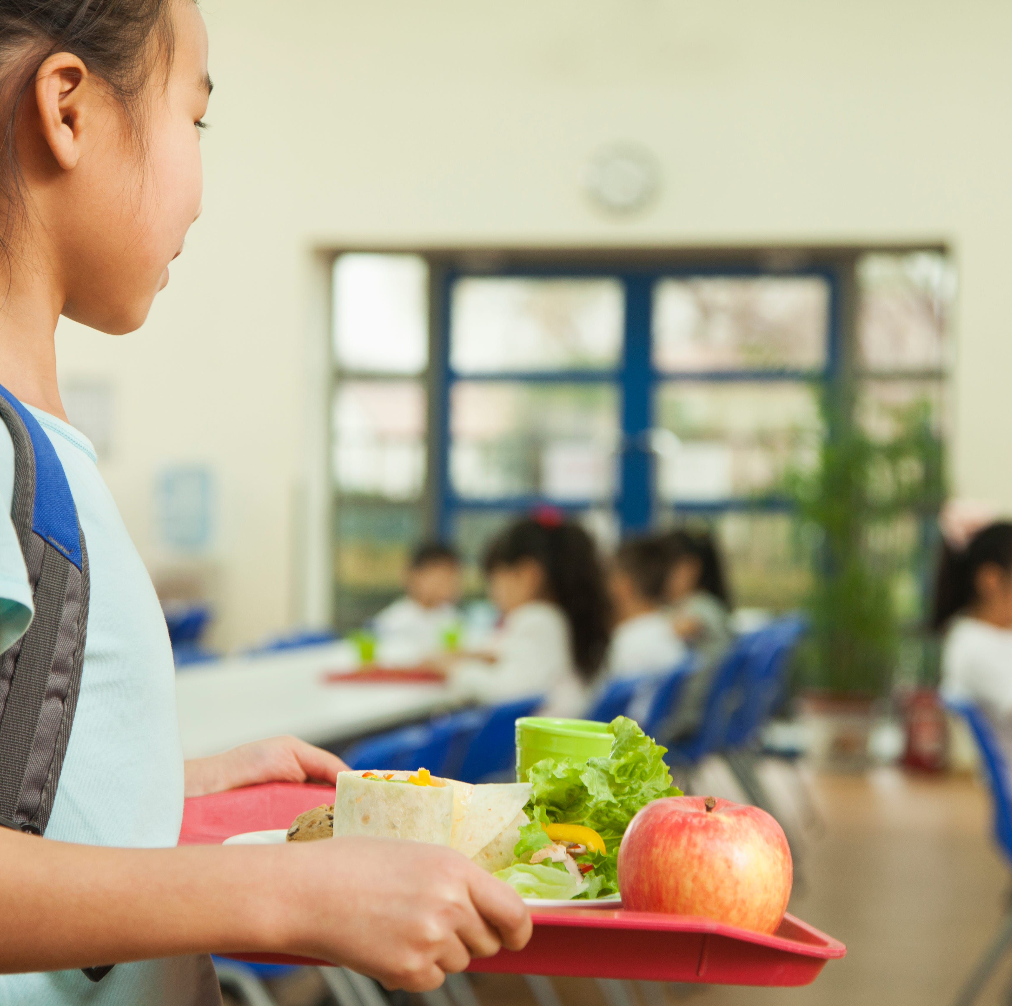 Report: Cashier throws away student's lunch after she was 15 cents short