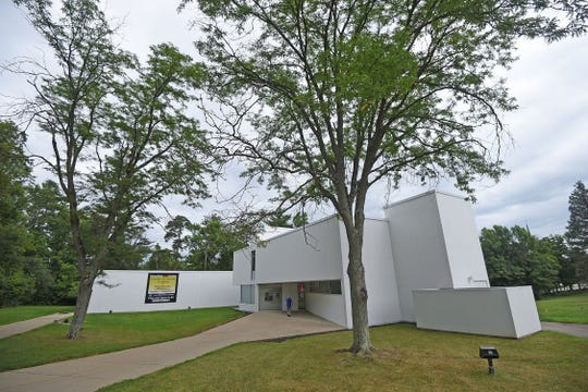 A $2.63 million fundraising campaign for the Mansfield Art Center will pay for a large education wing, pavilion and other renovations.