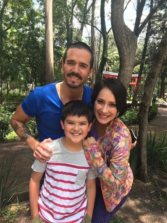 Gabriela Carrillo Pato De La Garza Y Jose Ron Televisa